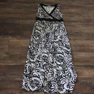 Black and white maxi dress size S